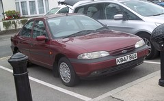 Britain's oldest Mondeo? #1 (occama) Tags: old uk ford car early cornwall maroon 1993 18 mondeo mk1 k847bgs