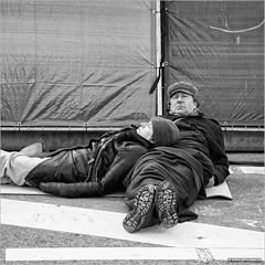 Like the old days (John Riper) Tags: park street bw white black eye netherlands monochrome festival canon john square photography mono kid rotterdam couple child zwartwit candid father mother older l contact carfree 6d 24105 straatfotografie kleinpolderplein autoloos riper johnriper