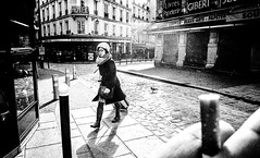 (nikoloz_p) Tags: street paris france analog wideangle 1600 35mmfilm push analogue iso1600 ilfordid11 voigtlanderbessar3m voigtlandersnapshotskopar25mmf4