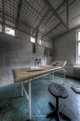 Stretching Instrument (Fine Art Foto) Tags: haus der anatomie house anatomy physio schule school urbex urbanexploration urbandecay urban lostplace lostplaces lost abandoned aufgegeben oblivion rotten decaying decay derelict stretching instrument
