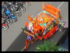Trundling down the road : Sai Baba vehicle :) (Indianature14) Tags: life road india bombay vehicle contraption maharashtra mumbai saibaba alms 2016 jugaad indianature lifeinindia