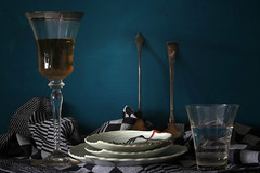 still life (Elly Snel) Tags: vaatwerk dishes dishtowels theedoeken stilleven stilllife ansh scavenger20 beginnerdigitalphotographychallengewinner challengeyouwinner