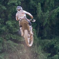 Heraus aus dem Schlamm aber wo ist die Landung? (rentmam1) Tags: motocross aichwald