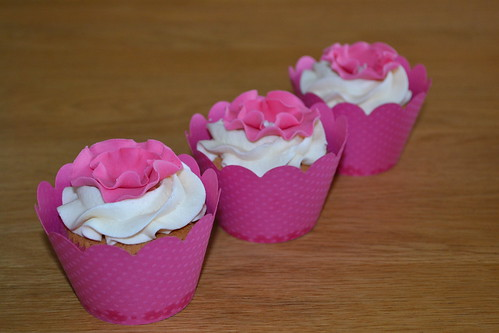 Ruffle flower cupcakes for Ella