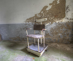 'Sit and weigh' (Timster1973 - thanks for the 9 million views!) Tags: france mountains colour abandoned canon hospital french tim europe decay seat rusty forgotten urbanexploration scales rusted rusting diablo caring sanatorium forgot seated weigh fr derelict abandonment decayed decaying dereliction weighing ue treatment urbex eurotour urbanwandering timknifton timster1973 knifton hospitaldiablo franceurbanexploration frenchurbanexploration seatedweighingscale