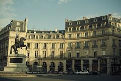 Place des Victoires (real.catalin) Tags: paris france place urbanlife urbanscene