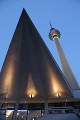 Piruli Berlines (U.STROBE) Tags: travel canon germany arquitectura edificios viajes alemania eos6d