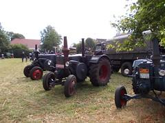 DSCN5464 (fuchs377) Tags: tractor germany deutschland europa europe traktor bulldog ostfriesland oldtimer allemagne duitsland lanz trecker schlepper niedersachsen oldtimertreffen treckertreffen rechtsupweg