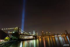 Tribute in Light (Jonathan Heisler) Tags: newyorkcity skyline 911 september11 lowermanhattan tributeinlight brooklynpromenade newyorkcityskyline canon5dmarkiii eos5dmarkiii jonathanheisler jheislerphotography jonathanheislerphotography jheisler