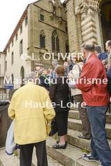 3157 - Visite de groupe  l'htel-Dieu du Puy-en-Velay (MDDT43) Tags: france senior culture muse unesco extrieur groupe escalier lepuyenvelay auvergne visite tourisme verticale patrimoine touriste culturel hteldieu hauteloire 3157 troisimege puyenvelay 3ege visitedegroupe paysduvelay