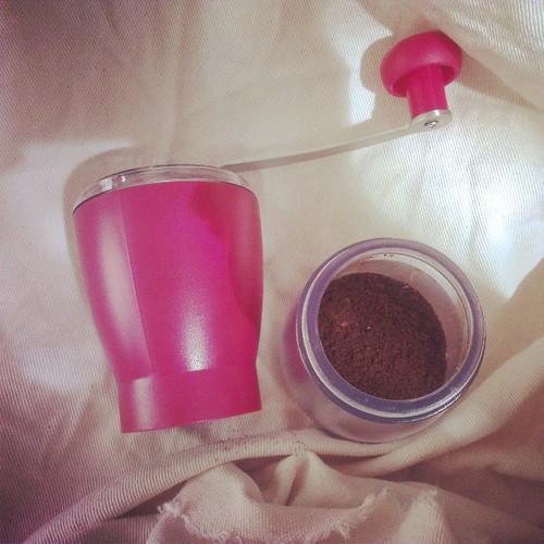 新買的手搖磨豆機 #coffee