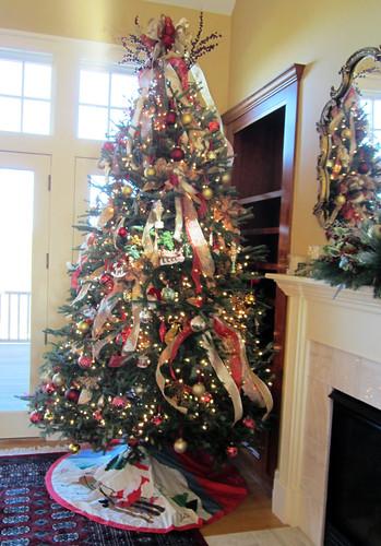 Custom Christmas Decorations - Lisa Greene, AAF, AIFD, PFCI