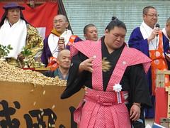 / Goeido in Narita-san - Neyagawa, Osaka (Ogiyoshisan) Tags: pink celebrity japan japanese traditional  osaka kimono sumo wrestler neyagawa  setsubun  naritasan