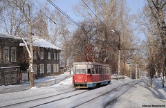 Traditioneel (Marco Moerland) Tags: schnee houses winter house snow cold wooden russia maisons trolley hiver sneeuw tram haus siberia neige huis streetcar maison trams tramway strassenbahn rusland houten kou tramvaj huizen huser tramwaj klte tomsk vorst russland  holzhaus tramways 71605 holzhuser  tranvias koude strassenbahnen holzerne tramvie siberi siberien ktm5