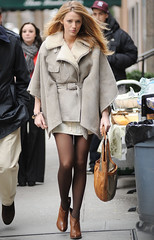 Blake Lively (Muhari1) Tags: brown white london home fashion animal female scarf bag print leaving star 22 beige alone jan britain snake coat personality her cotton cape handbag 2010 snakeskin outabout tvpresenter deeley 6621825