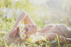 Georgia (Amanda Mabel) Tags: summer sunlight grass daisies georgia model sydney editorial modeltesting amandamabel gravanis winkmodels