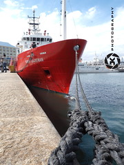 The Sarah Baartman (jan-krux photography) Tags: red southafrica harbour ships environmental vessel olympus capetown atlantic strong ropes stark protection knots tablebay westerncape kapstadt suedafrika southatlantic leinen umweltschutz sarahbaartman tafelbucht