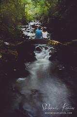 Silver stream (Neerod [ www.shahnewazkarim.com ]) Tags: woman ontario canada man ruins stream picnic arch