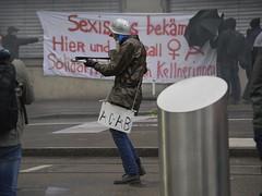 1. Mai 2016: Sexismus bekmpfen (Christian Natiez) Tags: people demo schweiz switzerland politik leute clown politics zurich may demonstration mai zrich mayday nachdemo laborday labourday sexism 1mai 2016 tagderarbeit sexismus nachdemonstration