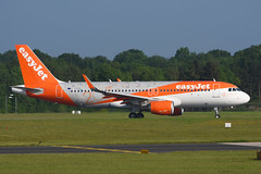 G-EZOX.MAN290516 (MarkP51) Tags: gezox airbus a320214 easyjet manchester airport man egcc airliner airplane plane image markp51 nikon d7200