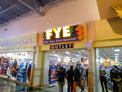 FYE Great Lakes Crossing (Nicholas Eckhart) Tags: usa retail mi america mall us interior auburn hills massive stores outlets greatlakescrossing outletmall 2016