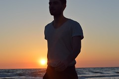 La magia del atardecer (fr_cuesta) Tags: light sunset orange sun luz beach contraluz atardecer playa puestadesol tarde