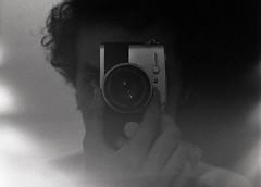(gabsauro) Tags: 135 bw doublex eastman5222 kodak olympuspenft pb analog analogic analogico biancoenero blackwhite blancoynegro cinemafilm film filme grain gro noiretblanc pelicula photo photograph pretoebranco vencido
