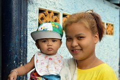 mother and son (the foreign photographer - ) Tags: portraits thailand nikon bangkok mother son khlong bangkhen thanon d3200