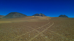 Atacama Wegekreuzung (s'moichele) Tags: spuren atacama landschaft chl ort sanpedrodeatacama suedamerika clchile