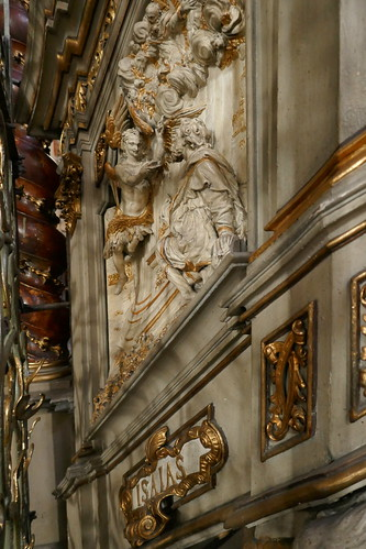 Balustrada schodów (Izajasz) ambony (1717, Klahr Starszy) w kościele Wniebowzięcia NMP w Kłodzku