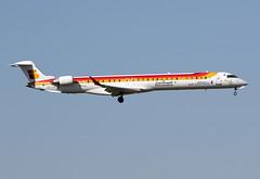 "22 juin 2016 - AIR  NOSTRUM - Bombardier CRJ 1000  (EC-LOX)  ""Sencillamente Extremadura"" - LFBO - TLS (gimbellet) Tags: canon airplane airport nikon aircraft aviation airplanes transport aeroplane transportation airbus a380 boeing toulouse aeroport blagnac a330 spotting tls a340 a320 crj avions bombardier atr spotter aeronautique a350 toulouseblagnac lfbo"