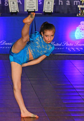 IMG_2521 (SJH Foto) Tags: girls kids dance competition stretch teen teenager tween favourite teenage