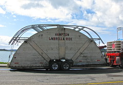 Hampton Umbrella Ride (Librarianguish) Tags: old carnival ride rundown 413 rickety doesnotinspireconfidence hamptonumbrellaride