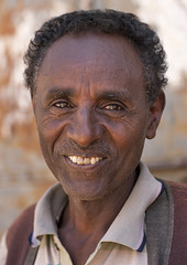 Old Man Smiling, Mendefera, Eritrea (Eric Lafforgue) Tags: africa portrait people men vertical outdoors photography adult happiness males adultsonly oneperson ethnicity onepeople eritrea hornofafrica headandshoulders toothysmile senioradult realpeople colorimage lookingatcamera eritreo onemanonly erytrea eritreia colourimage africanethnicity 1people  africanculture ertra    eritre eritreja eritria mendefera  rythre africaorientaleitaliana     eritre eritrja  eritreya  erythraa erytreja     ert6615