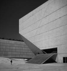 casa da musica (schromann) Tags: white black portugal facade concrete hall casa concert exterior porto da musica expressionist solitary rem koolhaas oporto beton fassade brut 20130513