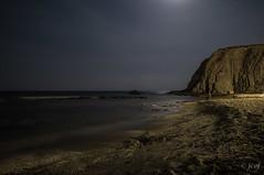 Nocturna del Peñón Blanco. (jcof) Tags: light sea moon color beach water landscape mar agua playa paisaje luna nocturna almería laisleta peñónblanco