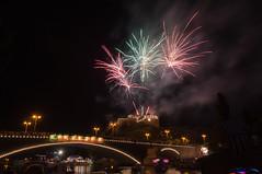 firework at latern festival Halle/Saale 2013 (MR-Fotografie) Tags: bridge light castle festival river licht nikon firework sachsen anhalt nikkor brcke 1870mm latern burg feuerwerk hallesaale d90 laternenfest giebichenstein mrfotografi