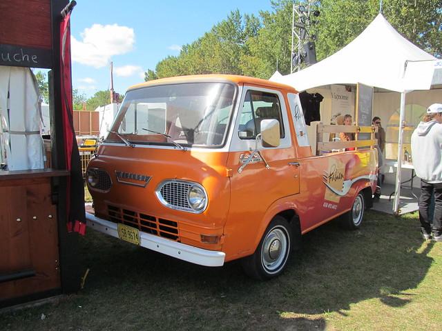 park canada festival truck québec repentigny fordmotorcompany lanaudière fordeseries mercuryeconoline festivalloktoberfestdesquébécois parcrégionaldelîlelebel lerestaurantchezfabien