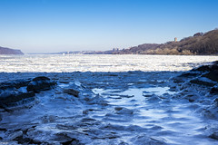 Frozen to Yonkers (Wallace Flores) Tags: nyc nikon uptown hudsonriver newyorkstate washingtonheights uppermanhattan d3s