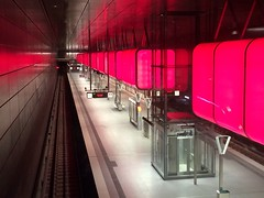 Pink mood: Hamburg New Metro Station (*carsteanca*) Tags: new pink red station mood metro hamburg railway sound cubes universität bahn hafencity hafencityuniversität