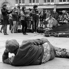 listening to music (PhotosBoss) Tags: paris de la louvre royal panasonic palais musique classique ecouter