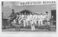 Wolfdietrich Berghaus 1956 (Salt Mine) (John Steam) Tags: bw salzburg lost austria mine place classmates salt scan land 1956 hunt besucher abriss stollen salzbergwerk ausfahrt hallein besichtigung schulklasse fhrung schulausflug berghaus drrnberg salzwelten wolfdietrich duerrnberg raingraben