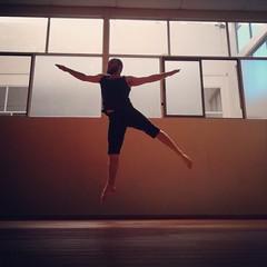 IMG_20150212_193911 (GhianDrake) Tags: dance jump salto baile poses saltos