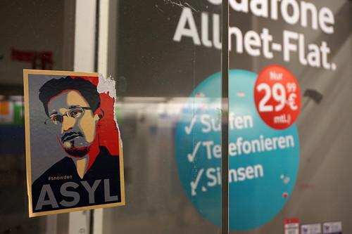 "Political Asylum and ""Allnet-Flat"". Last images from the Döppersberg pedestrian tunnel"