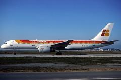 Iberia B757-256 EC-HAA BCN 22/01/2000 (jordi757) Tags: barcelona nikon airplanes bcn kodachrome boeing 757 f90x iberia kodachrome64 avions elprat boeing757 b757 b757200 lebl echaa