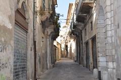 Via Santa, off Via Silvio Pellico, Modica (Paul and Jill) Tags: italy sicily modica viasilviopellico viasanta