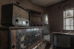 Relics (Cyber House) Tags: old house abandoned radio vintage tv nikon decay empty exploring cottage piano dirty derelict hdr relics ue urbex photomatix cyberhouse