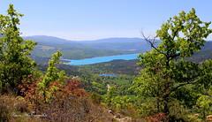 Randonne autour de Moustier Sainte Marie . Lac de Sainte Croix (Tinou61) Tags: panorama nature lac paca provence paysage randonne alpesdehauteprovence moustiersaintemarie lacdesaintecroix
