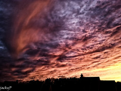Sky of apocalypse (Pierrot 49) Tags: sunset sky nature colors clouds sunrise smartphone nationalgeographic