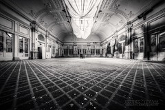 . (satanclause) Tags: bw italy abandoned hotel grand hdr paragon urbex abbandonato itlie oputn